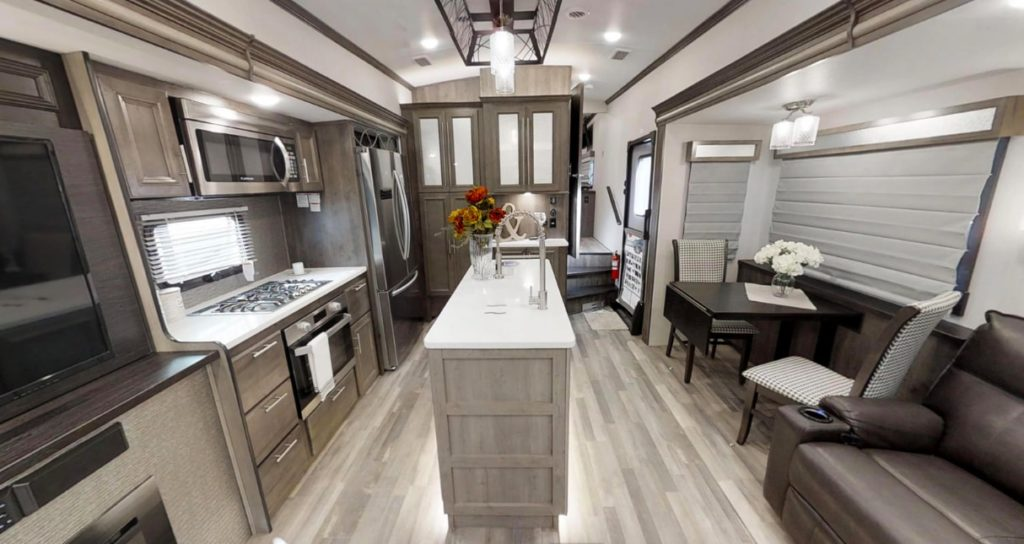 Forrest River Luxury Cardinal Trailer